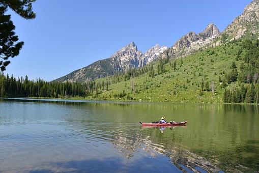 Kayak de randonnée en eau calme
